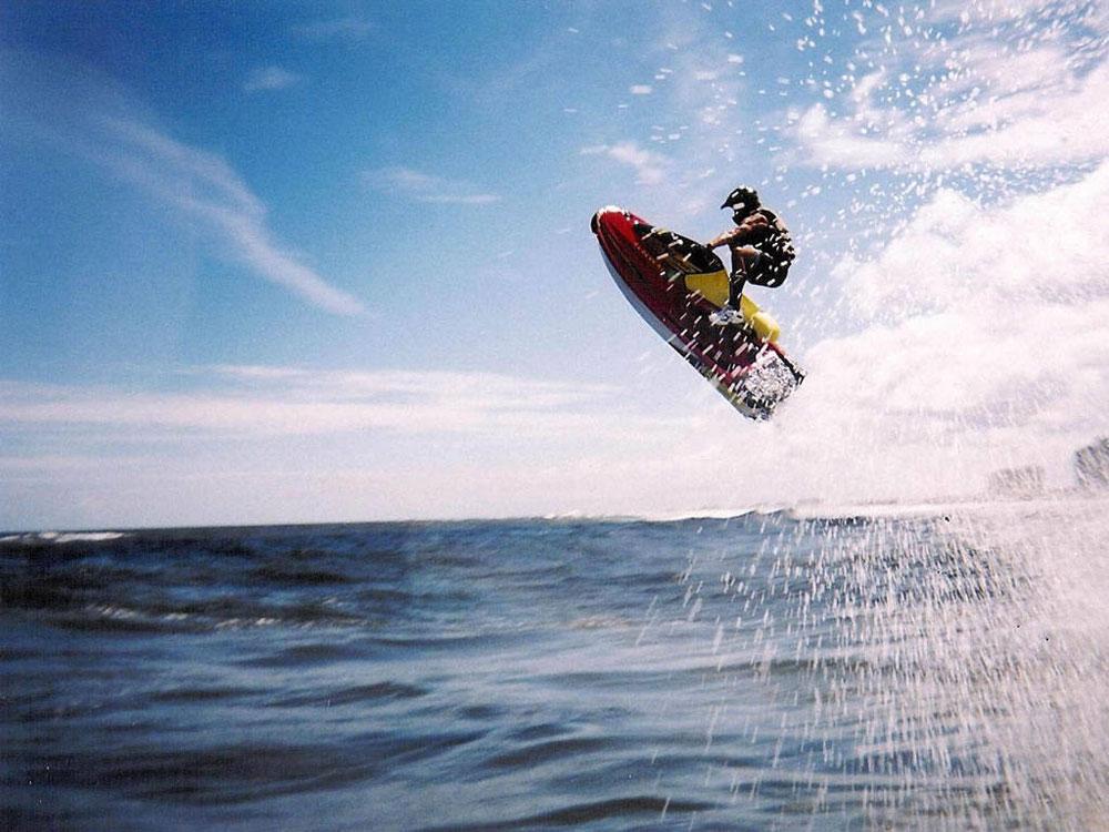 seguros-para-motos-de-agiua-acuáticas